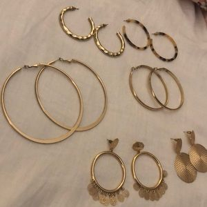 6 pairs of Gold fashion earrings